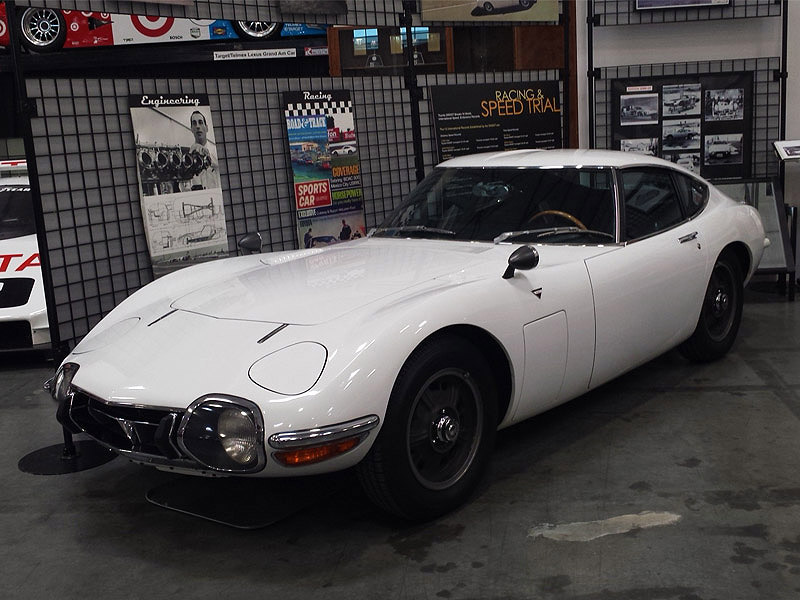 Toyota 2000 GT Toyota Museum Torrance1