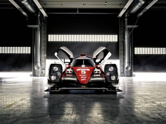 Toyota TS050 Hybrid LMP1 Racer Debuts With New Twin-Turbo V6